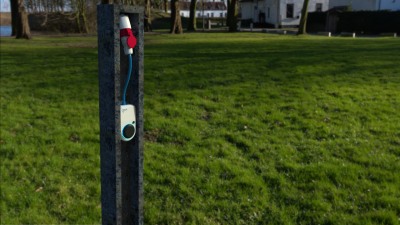 Go-eChargerHOME+ mobile laddstation ladda elbilen elbil EV-Solution-AB Kia Nissan Hyundai Tesla med naturbild